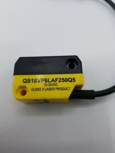 Banner QS18VP6LAF250Q5 World-Beam Photoelectric Sensor