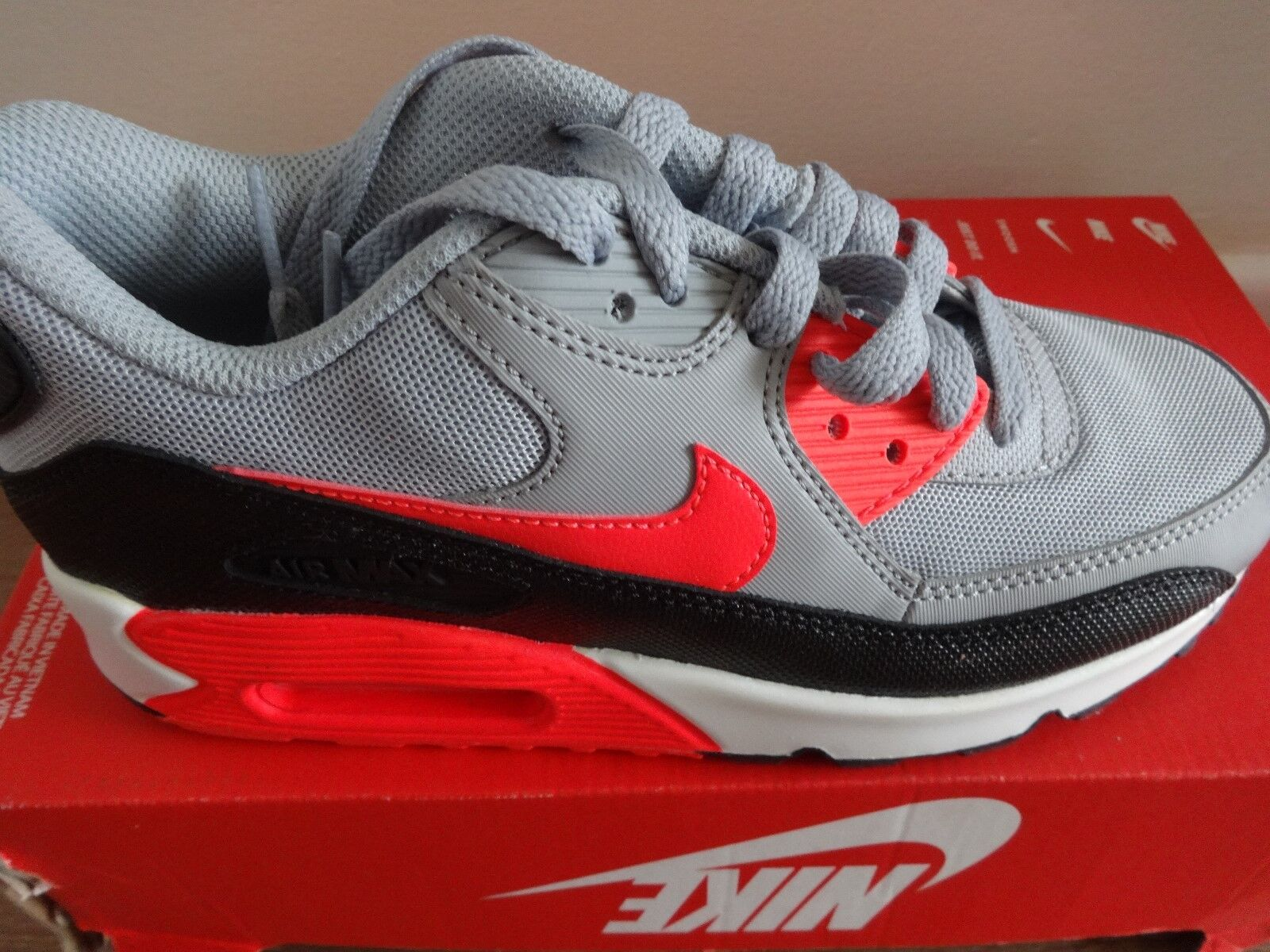 Nike womens Air max 90 essential womens Nike trainers 616730 014 uk 4 eu 37.5 us 6.5 NEW+BOX 3b4d02