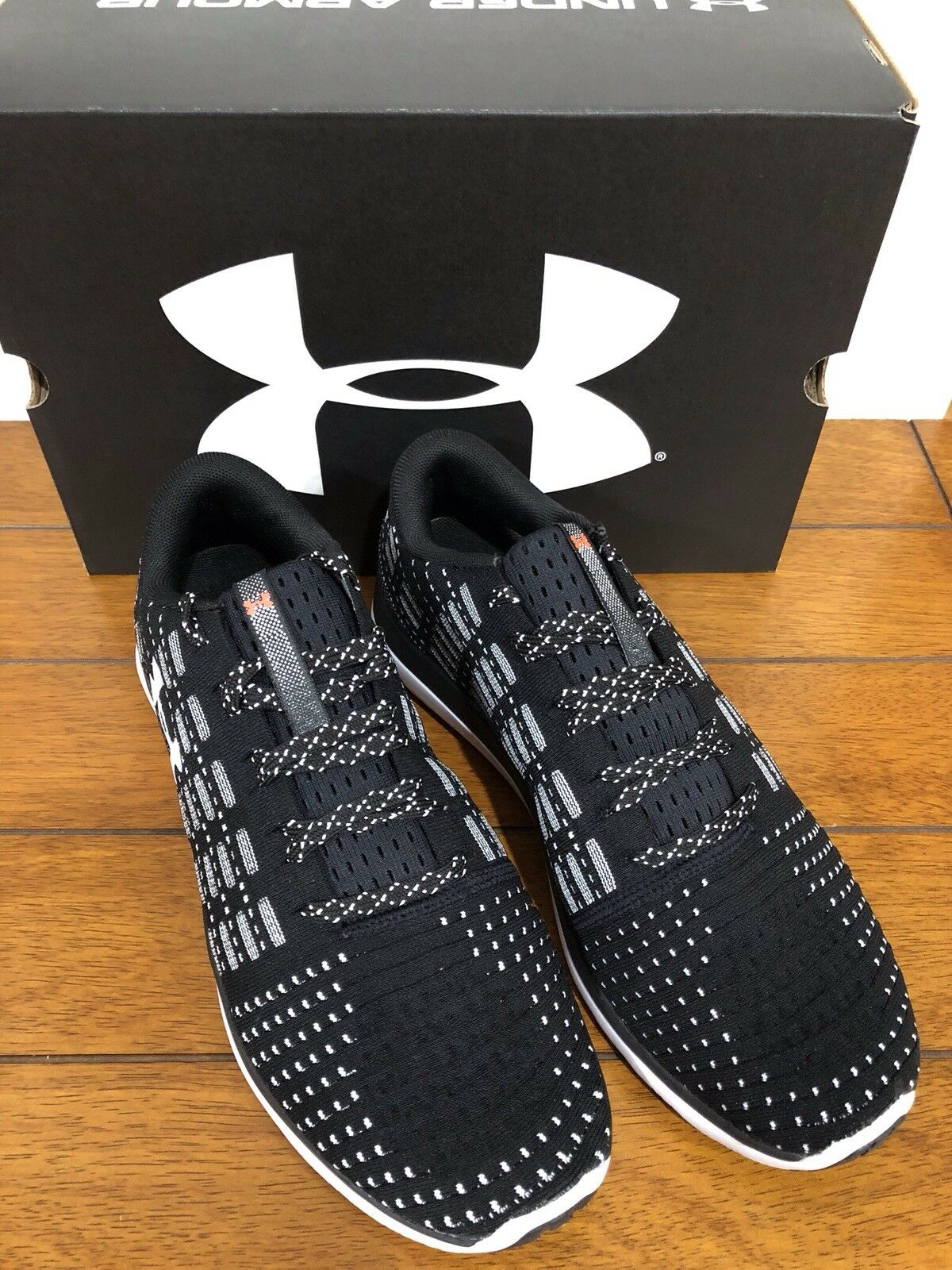 Under Armour Threadborne Slingflex Speckle scarpe scarpe scarpe nero  bianca Uomo Dimensione 9. 9ad196
