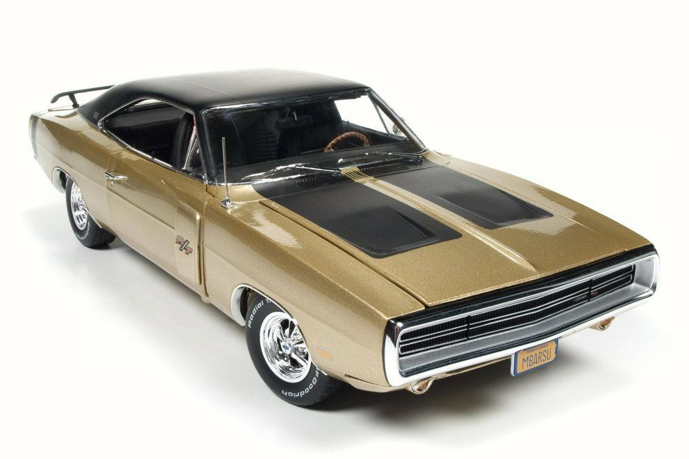 1970 DODGE CHARGER R/T SE 1/18 SCALE DIECAST CAR BY AUTO WORLD AMM1077