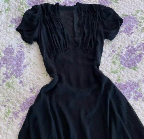 Vintage 1930s Black Silk Chiffon Puff Sleeve Day … - image 1