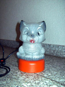 Tischlampe-Leuchte-Nachttischlampe-Katze-Kater-Cat