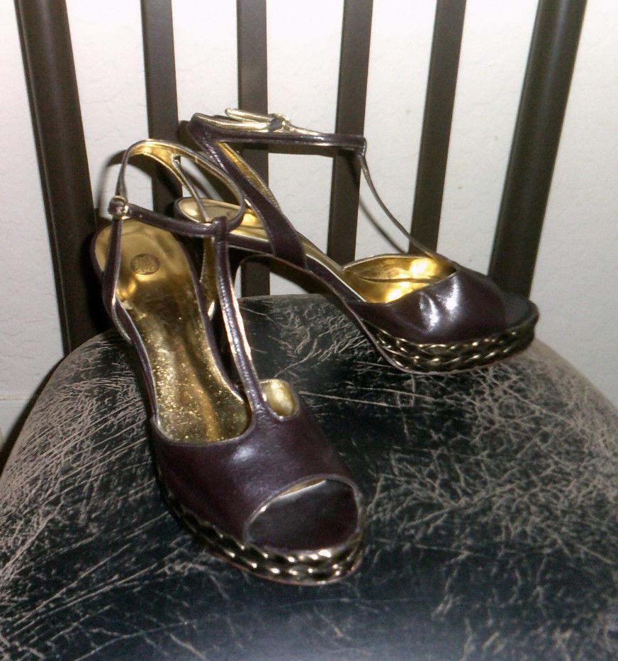 Audrey Brooke Yesenie Brown Genuine Leather Sz 8.5M T Strap Platform Sandal Heel