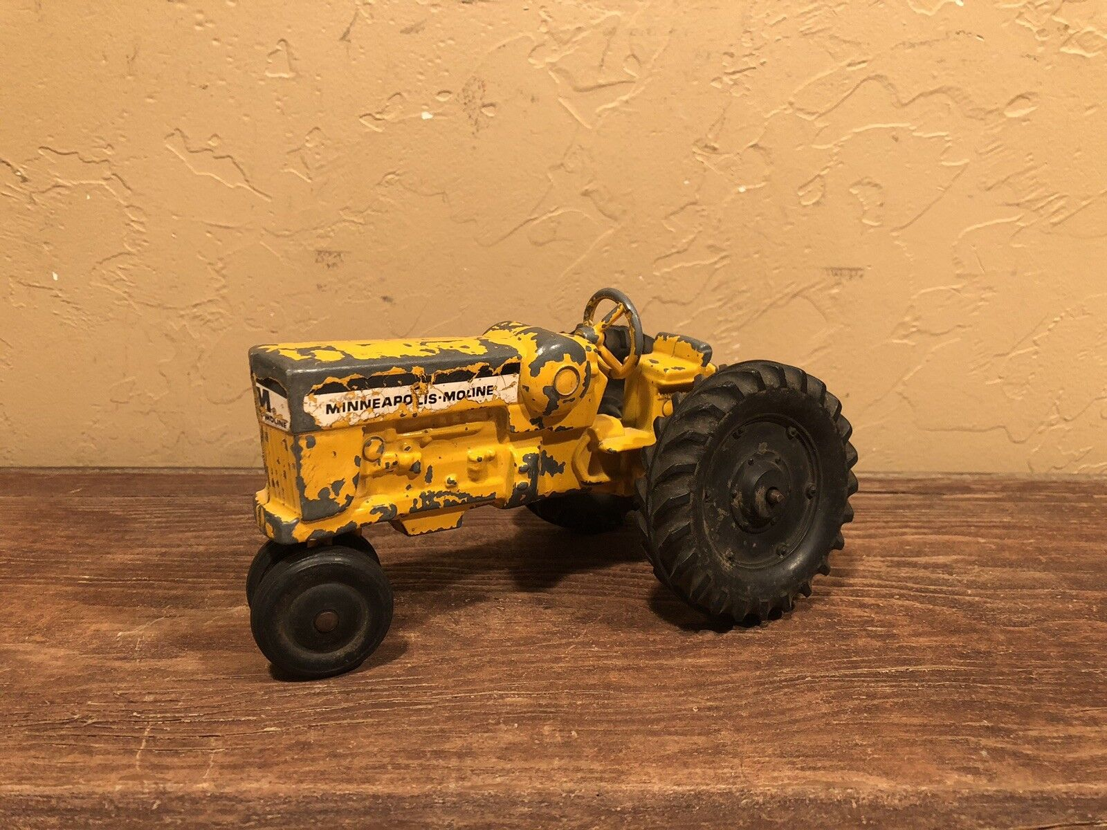 Vintage Ertl Diecast 1 24 Minneapolis Moline Lp Tractor