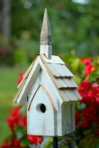 "BIRDHOUSES - ""CHRISTCHURCH"" WOODEN BIRDHOUSE - GARDEN DECOR"