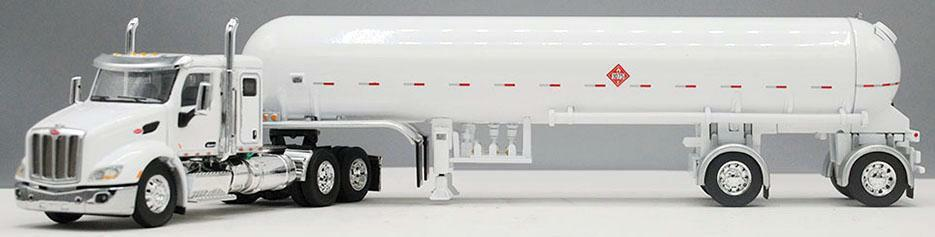 1/64 DCP bianca  PETERBILT 579 W/ 44  SLEEPER