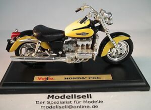 Honda-Valkyrie-F6-Motorcycle-Model-of-Maisto-On-A-Scale-of-1-18-on-Stand-Plate