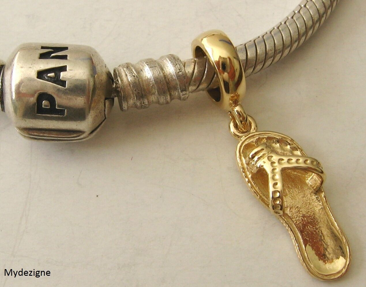 GENUINE  SOLID 9K  9ct YELLOW gold CHARM BEAD with THONG DROP BEACH SHOE