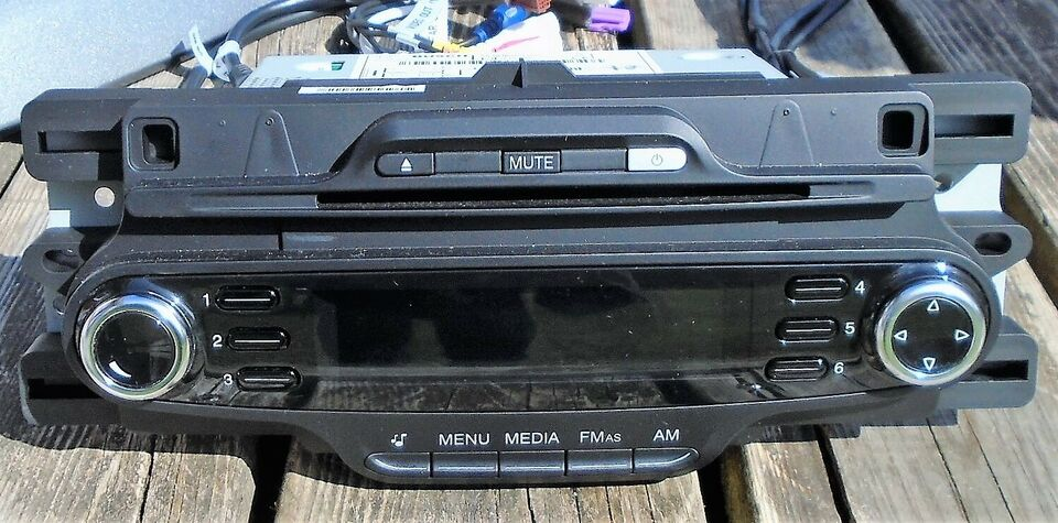 Bosch Alfa Romeo Fiat Lancia Car Radio Mp3 AUX, CD, Radio