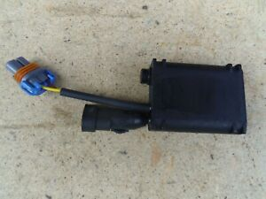 BMW-E39-5-er-Adapter-Xenon-Licht-links-rechts-passend-NOS-BMW-63120010309
