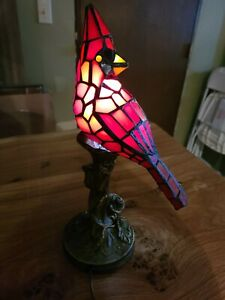 STAINED-GLASS-CARDINAL-ACCENT-LAMP-BIRD-FIGURINE-HOME-DECOR-new-in-box