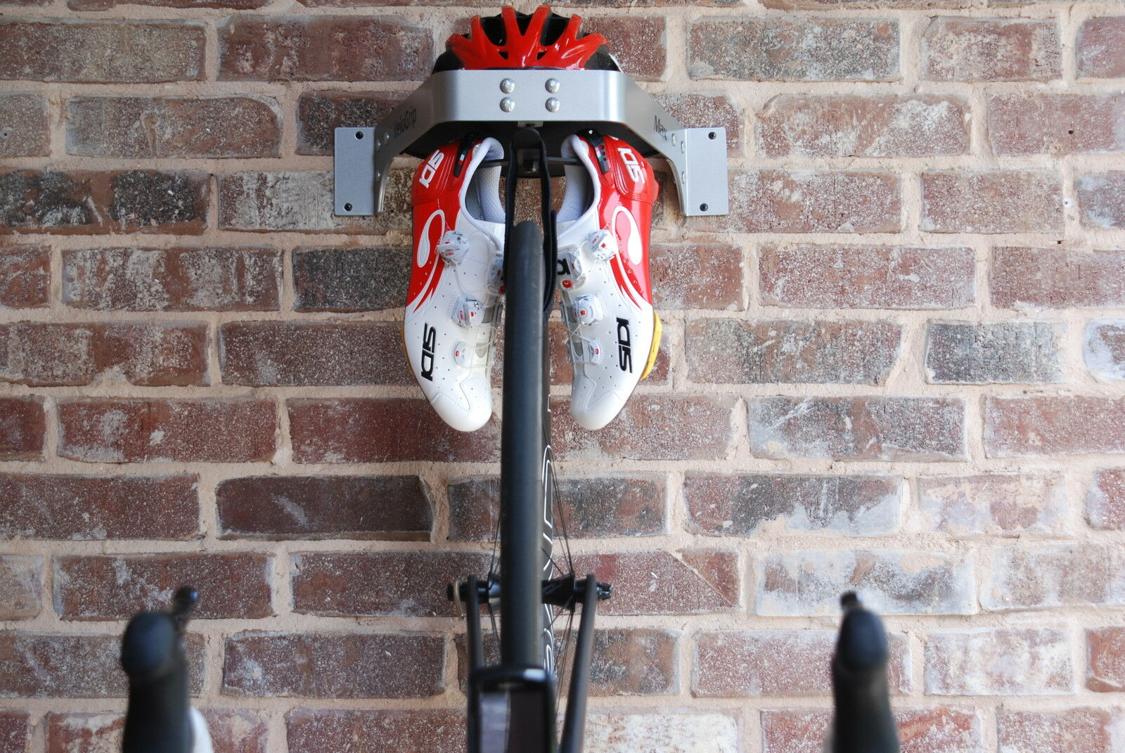 Almacenamiento bicicleta verdeical VeloGrip Max plata