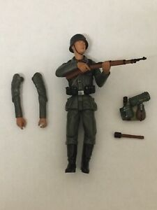 21st-Century-Toys-Ultimate-Soldier-German-Infantry-Rifleman