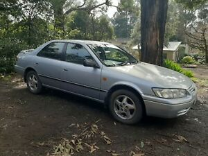 2000-Toyota-Camry-Sedan