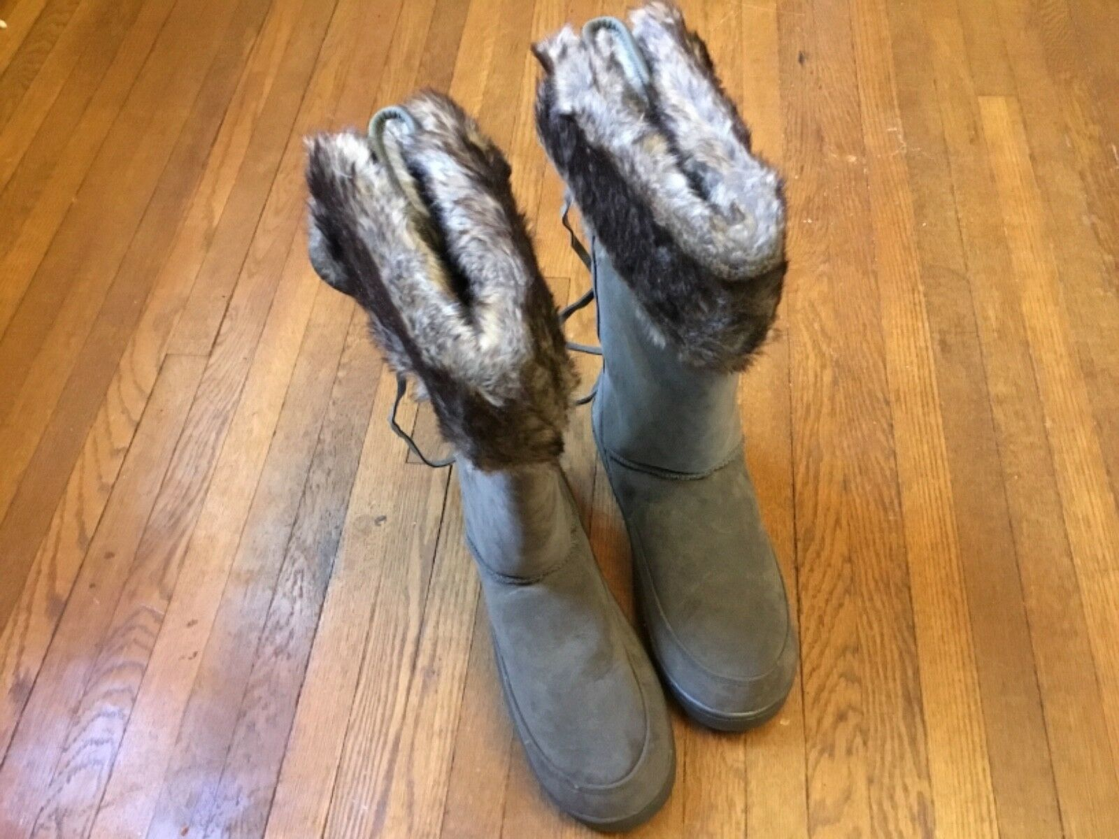 Parker Womens Boots w  Faux Fur Ligning Size 11M - New no Box