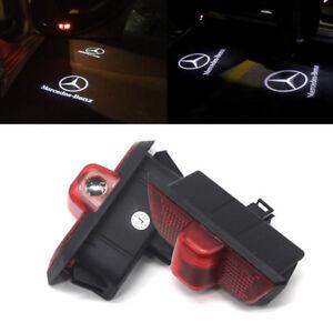 2x-Tuerlicht-Einstiegsbeleuchtung-LED-fuer-Mercedes-Benz-W204-Logo-Projektor