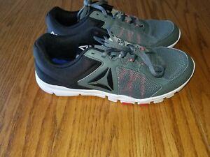 2dc643e1fb9f2 New Mens Reebok Yourflex Train 9.0 MT Athletic Shoes Black Red White ...