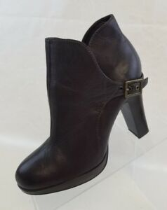 57ebc63981c Simply Vera Wang Ankle Boots Womens Noir Brown Leather Pull On Shoes ...