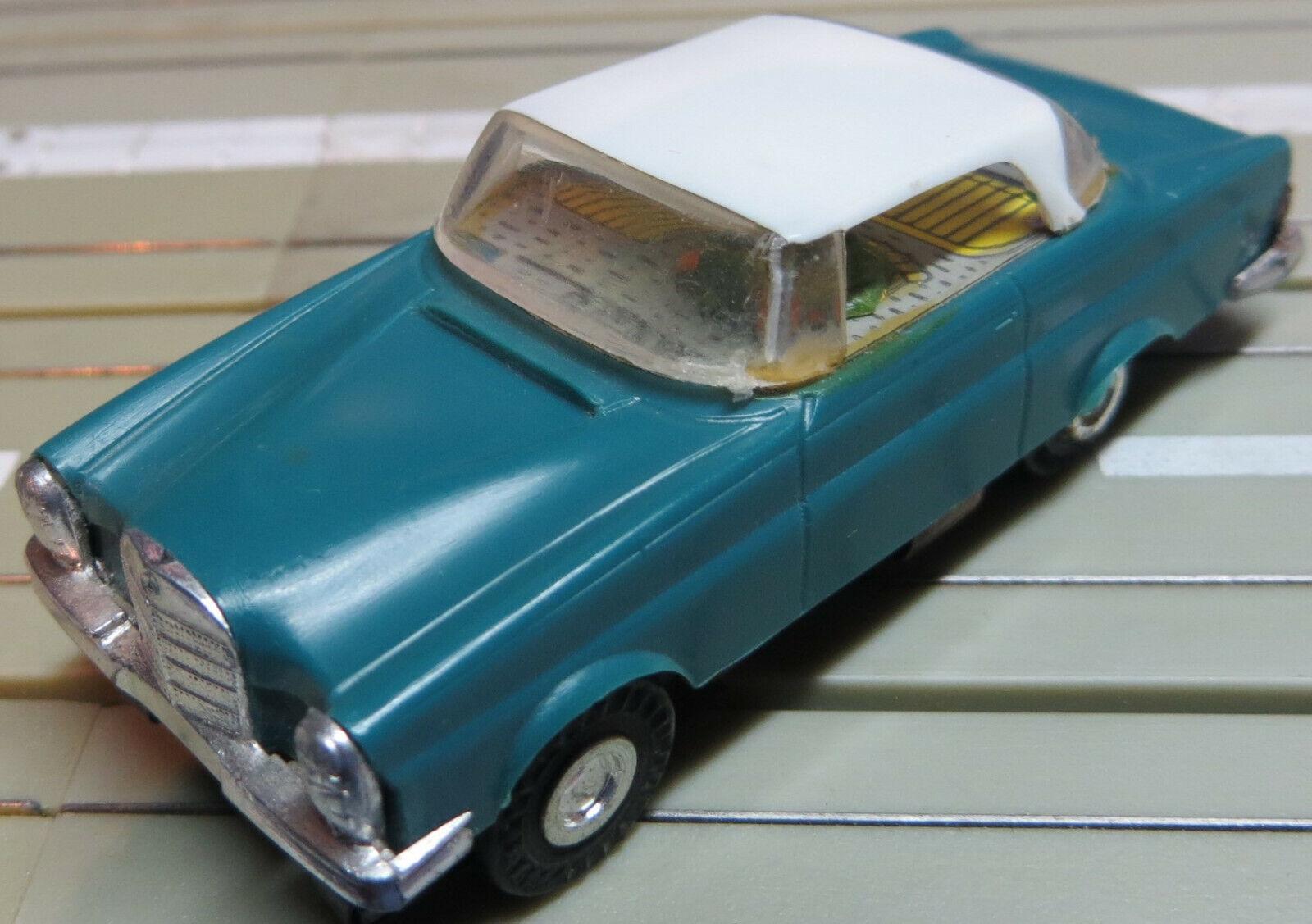 Faller Ams 4858 -- Mercedes 300 Se Coupe con Motor Bloque + 4 Nuevos