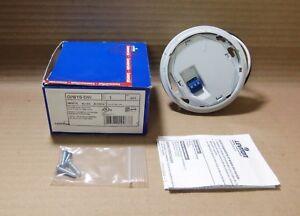 New-In-Box-Leviton-OPB15-DW-White-Power-Base-Adaptor-15-Amp-120-277VAC