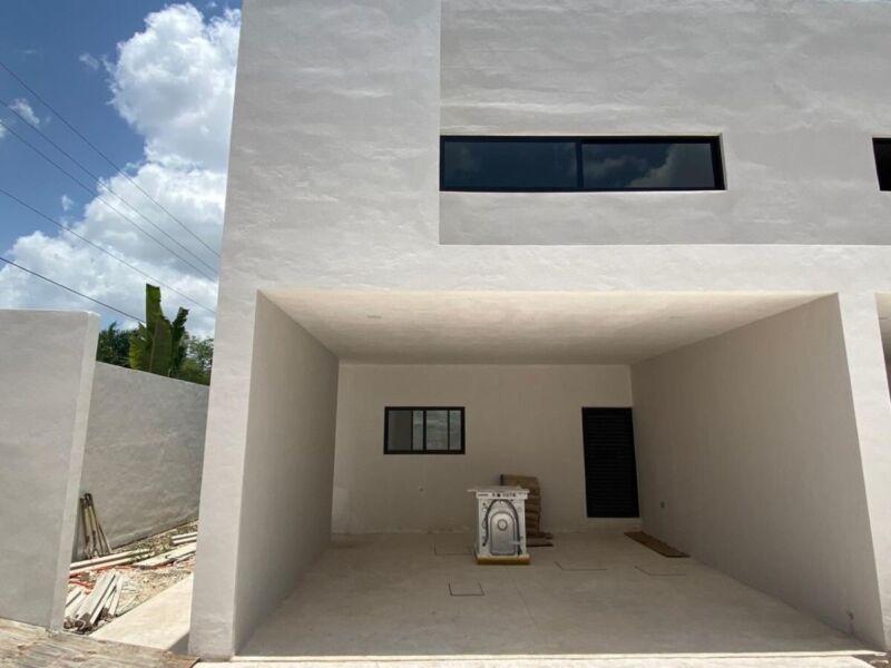 Townhouse de 2 hab. en privada de Temozón Norte