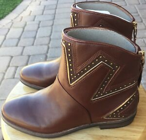 92086269a20 Details about UGG Australia Lars Sunburst Studs Leather Women's Boots Mid  Brown 1017356 Size 6