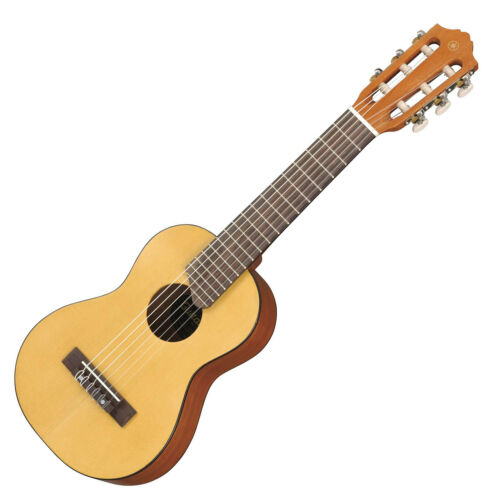 Prima YAMAHA Minigitarre im Ukulelen-Stil inklusive Transporttasche