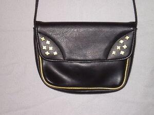 Damenhandtasche mit Goldverzierungen