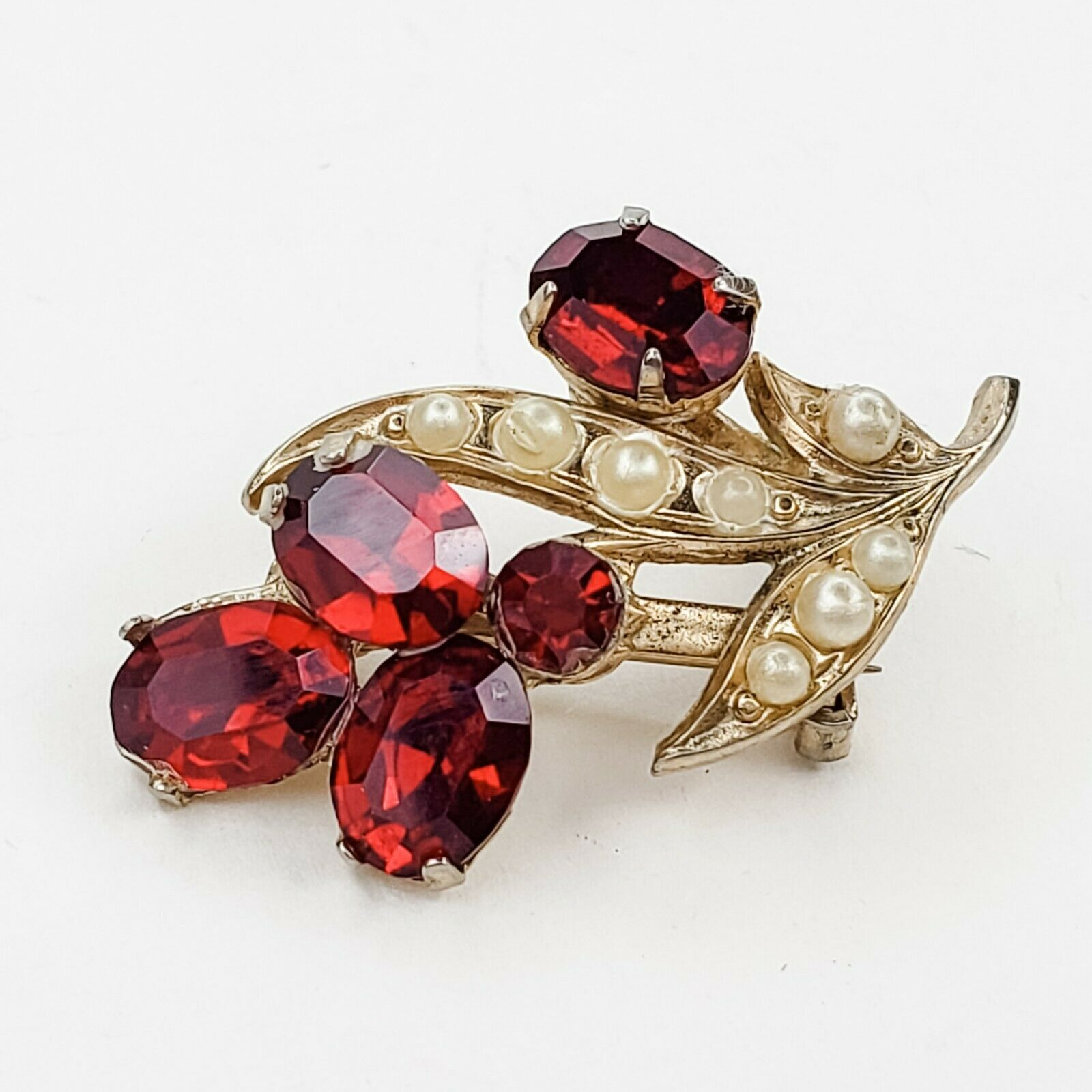 Coro Vintage Gold Tone Red Rhinestone and Faux Pe… - image 4