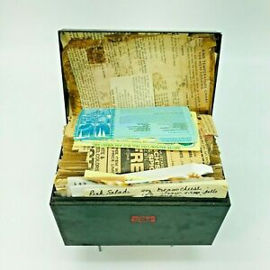Vintage-Metal-Recipe-Box-with-Recipes-Handwritten-Cards-Dividers-Weis-Packed