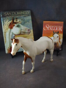 SAN-DOMINGO-Trad-scale-Breyer-horse-model-BONUS-HC-book-amp-RARE-Movie