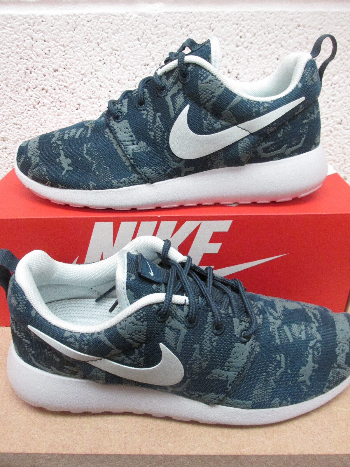Nike womens roshe one print running trainers 599432 430 sneakers shoes