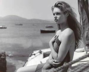 Brigitte-Bardot-With-Her-Bare-Shoulders-8x10-Picture-Celebrity-Print