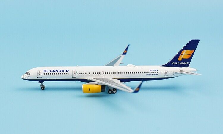 1 400 NG ICELANDAIR BOEING 757-200 Passenger Airplane Diecast Aircraft Model