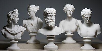 Göttin der griechischen Mythologie Athena Büste römische Minerva Kriegshelm