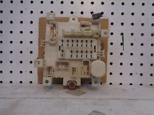 GEO METRO  SWIFT 1989 - 1996  CONVERTIBLE   2 DR  4 DR UNDER THE DASH FUSE BOX