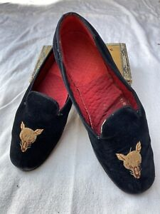 Vtg-Carpet-Slippers-Black-Velvet-Fox-Motif-Stubbs-Wootton-Style-Shabby-Chic-8