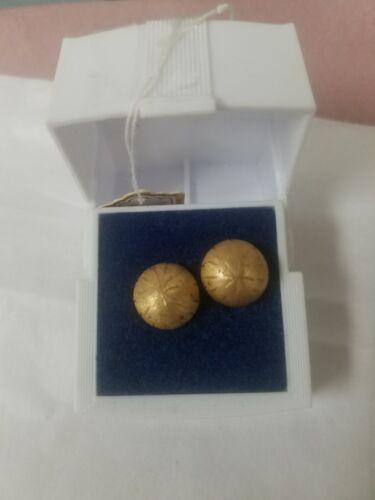 Vintage 14k gold stud earrings
