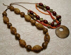 VINTAGE-TO-NOW-CHUNKY-WOOD-amp-LUCITE-BEADED-PENDANT-BOHO-NECKLACE-LOT