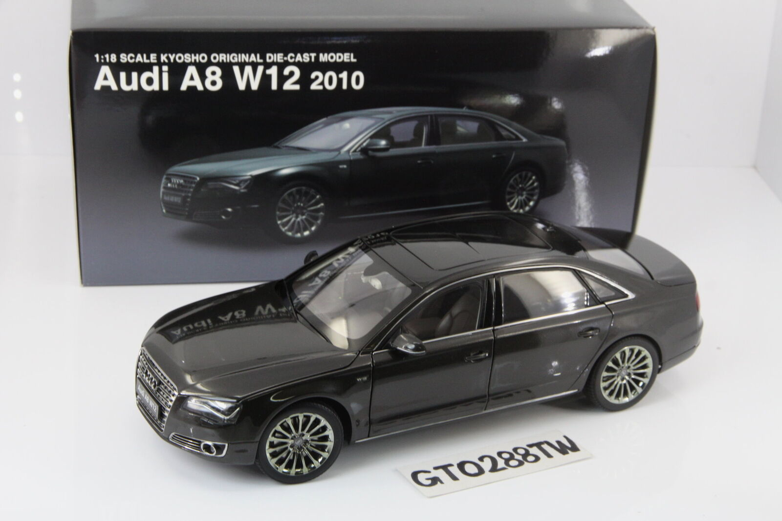 Kyosho 1 18 scale Audi A8 W12 2010 D4(Oolong gris) 09231GR