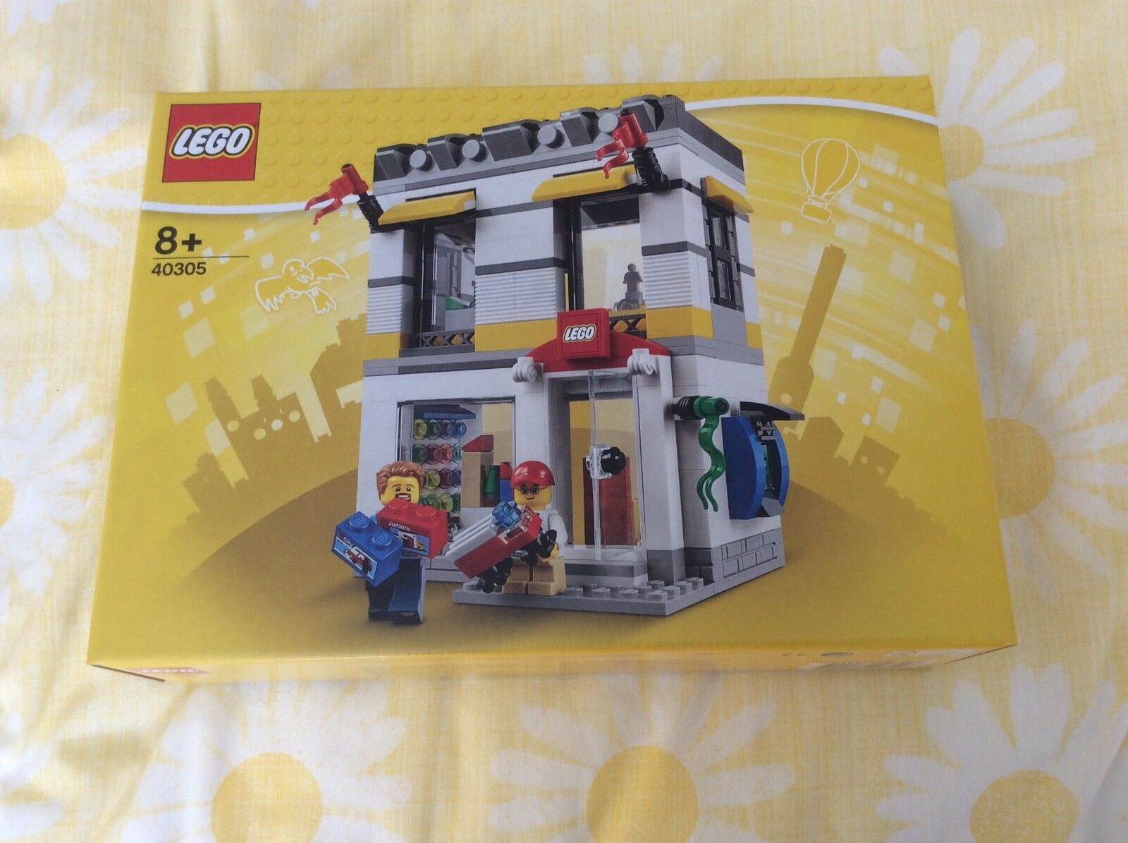 BRAND NEW EXCLUSIVE Lego Brand Retail Store set 40305