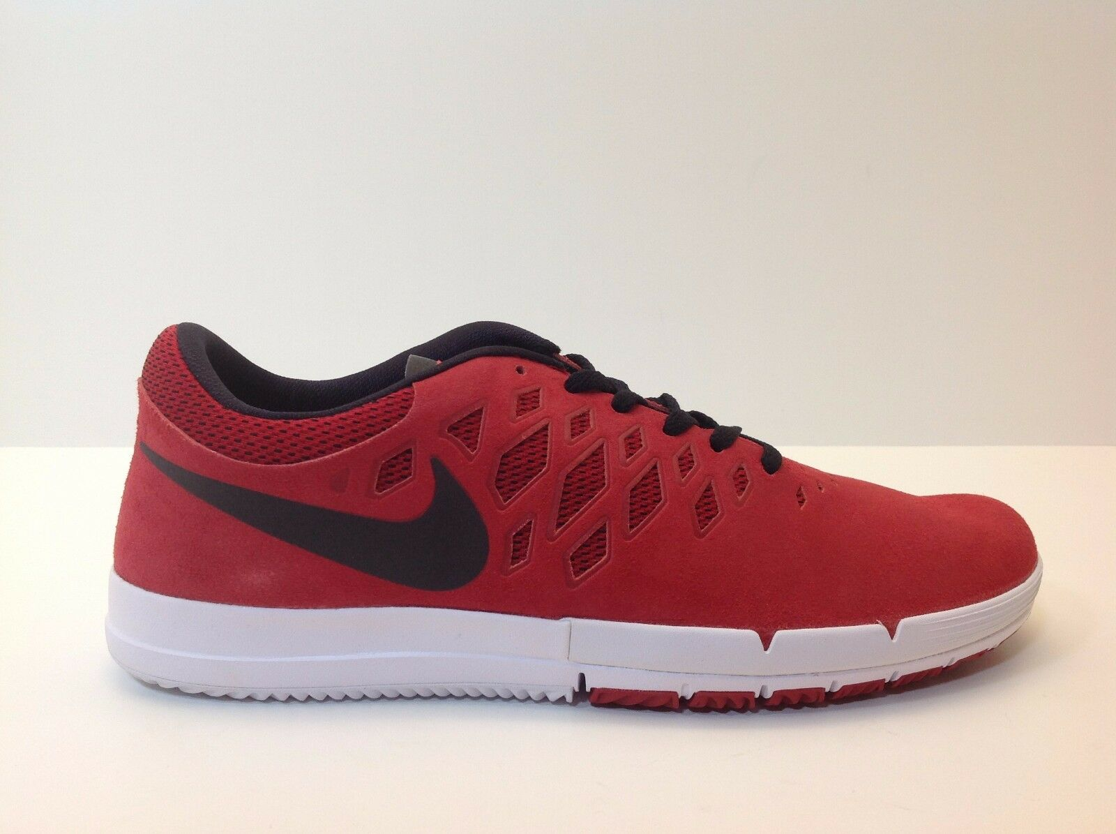 hot sale online 716a2 26bb8 Nike Free SB Red Black Men s Size 9-11.5 New in Box Box Box 704936 606  d2dbe8