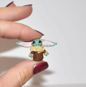 Miniature-Yoda-baby-Ooak-Dollhouse-Doll-Yoda-Character-lover-Toy-Gift