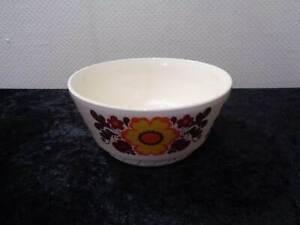 DDR-Design-Torgau-Keramik-Servierschuessel-Vintage-um-1970-Blumen-Heike