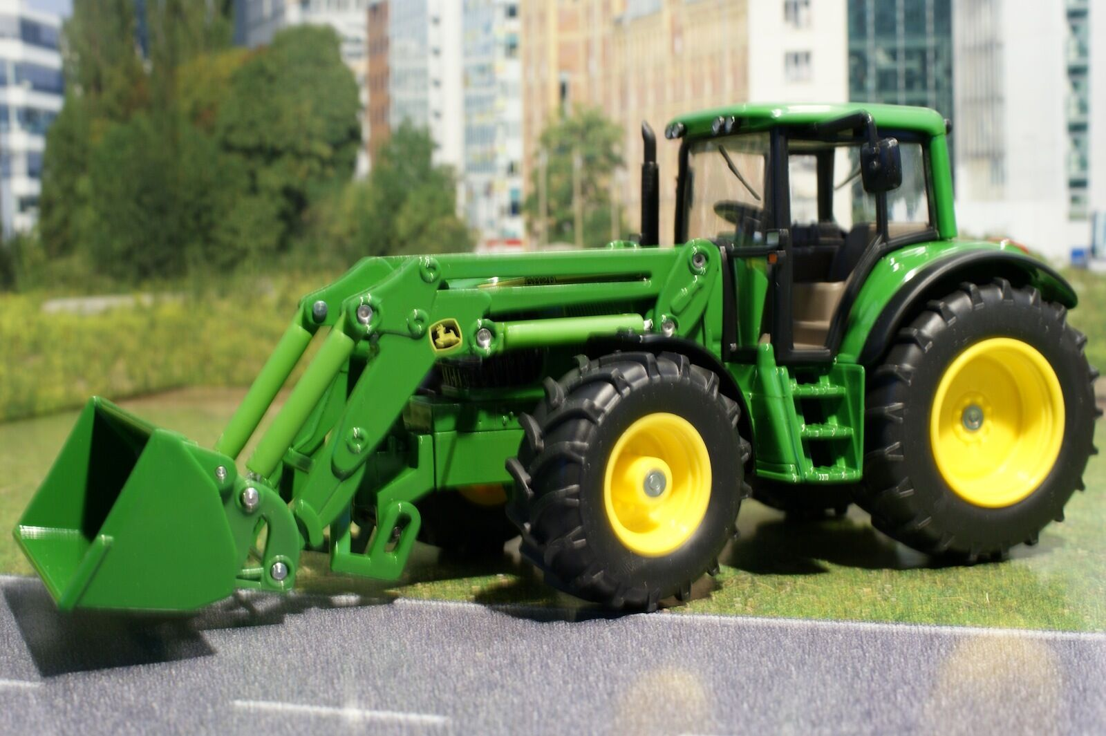 Siku 3652 - Diecast  John Deere 6820 Tractor with Front Loader - 1 32 Scale