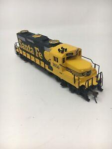 MANTUA-HO-SCALE-Santa-FE-3036-Diesel-Engine