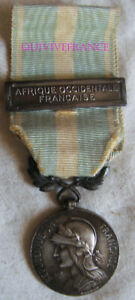DEC4701-MEDAILLE-COLONIALE-agrafe-AFRIQUE-OCCIDENTALE-FRANCAISE-a-pince