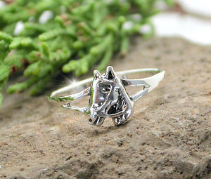 HORSE & WESTERN JEWELLERY JEWELRY HORSE HEAD RING STERLING SILVER SIZE 7/N