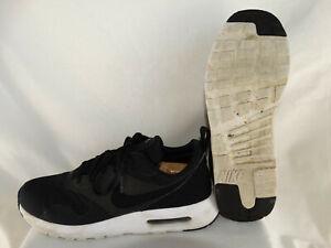 Nike Air Max Tavas SE Sneaker Runner 718895 001 schwarz weiß