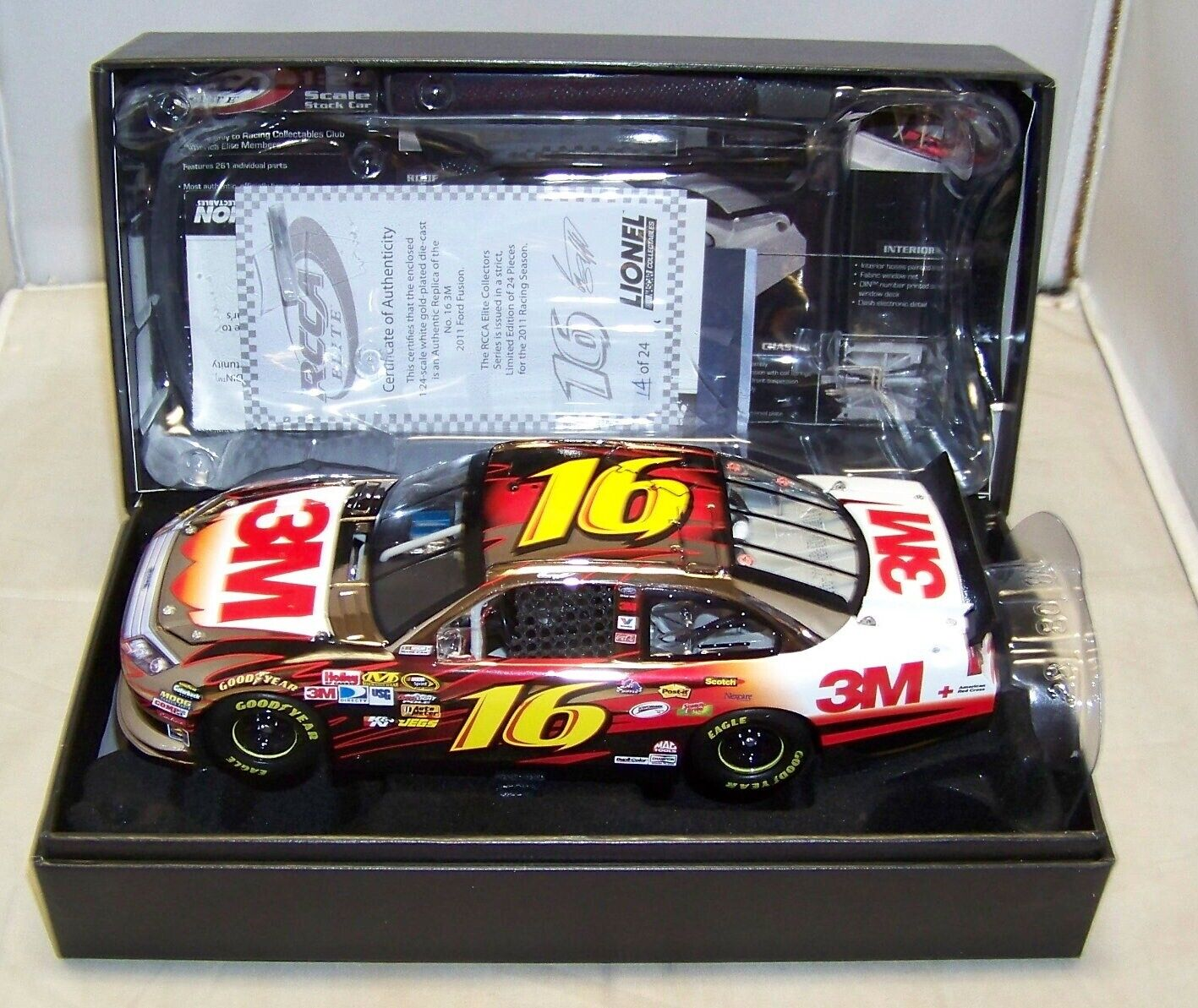 1 24  2011 Action Racing Collectables Club of America Elite  16 3 m Or Blanc Greg Biffle  14 24  nouveau in Box Look Wow  mode classique